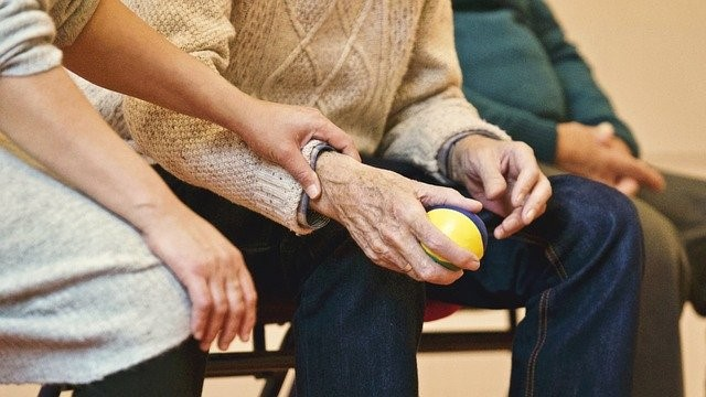 CPR Steps During Elderly Emergency Situations