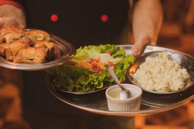 Food Servers Need RSA Training in Sydney